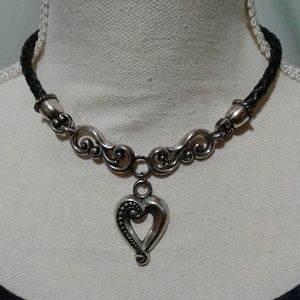 Jewelry - 🌺 Gorgeous Silver Heart Necklace